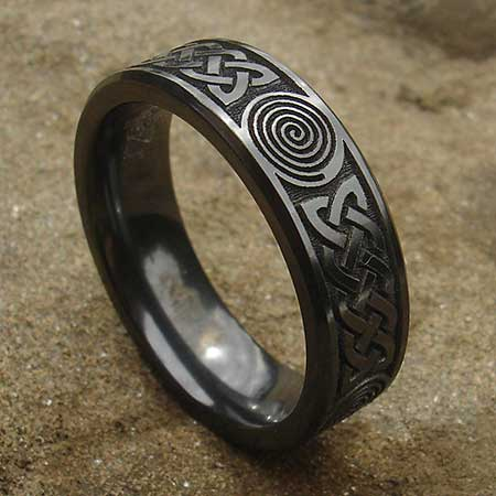 Mens alternative Celtic wedding ring
