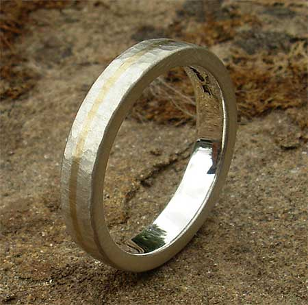 Beaten 9ct gold and silver wedding ring
