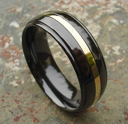 Black and 9ct gold wedding ring