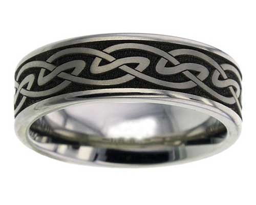 Celtic titanium ring with a Celtic knot