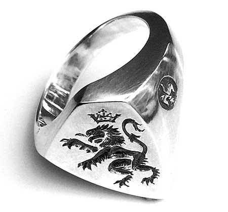 Silver signet ring with a British Lion