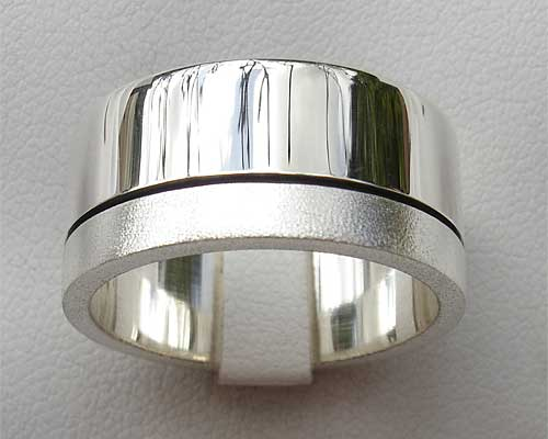Frosted Twin Finish Designer Wedding Ring