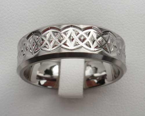Men's titanium Celtic ring