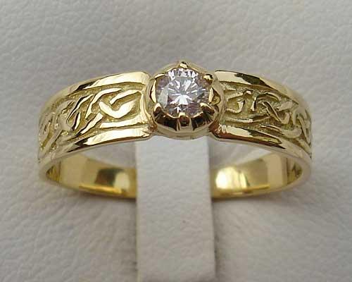 Mens Scottish Celtic Wedding Ring ONLINE in the UK