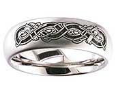 Titanium ring with a Celtic engraving of an Irish dog