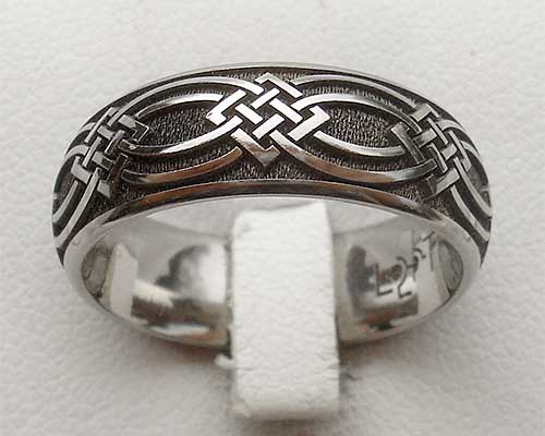 Celtic titanium ring engraved with a Celtic knot