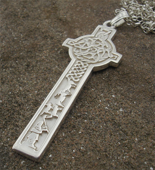 Mens celtic cross necklace love2have in the uk mens celtic cross necklace mozeypictures Choice Image