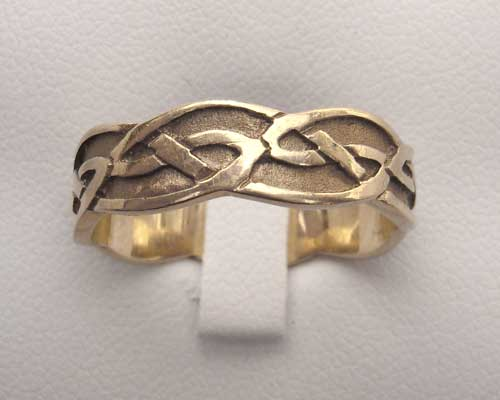 Traditional Scottish Celtic Wedding Ring LOVE2HAVE in the UK