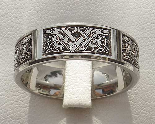 Celtic dog ring