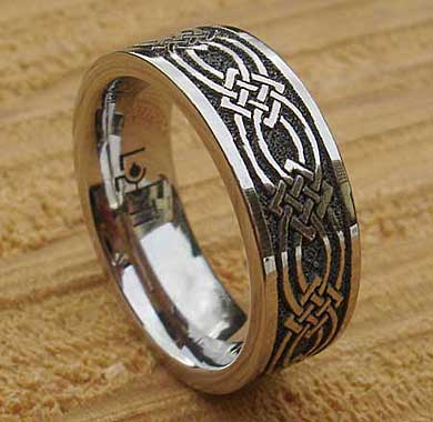 Men S Chunky Celtic Titanium Ring Love2have In The Uk