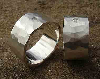 contemporary diamond rings