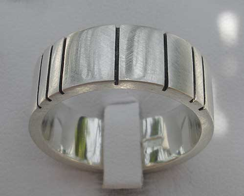 Mens Contemporary Etched Silver Ring