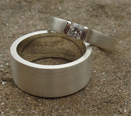 Contemporary Silver Wedding Engagement Ring ONLINE in the UK