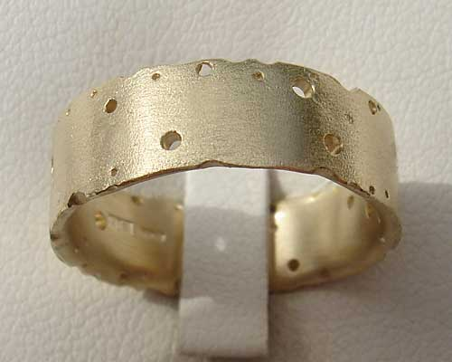 Designer Gold Wedding Ring
