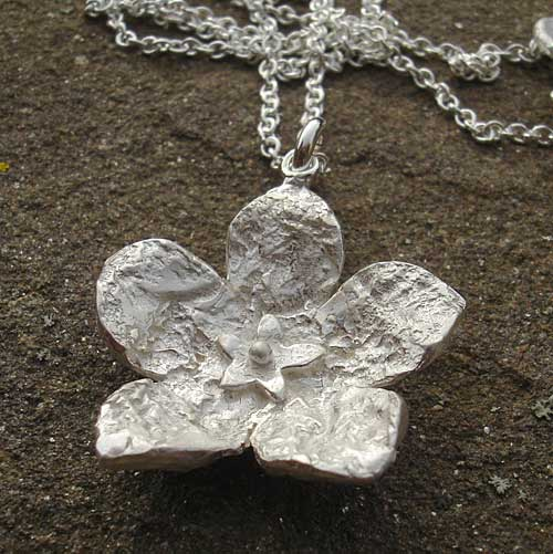 Designer silver flower necklace