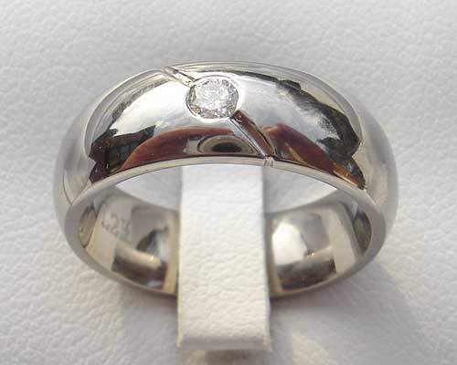 Mens & Womens Diamond Titanium Ring