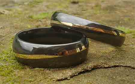 Gold inlay black wedding rings