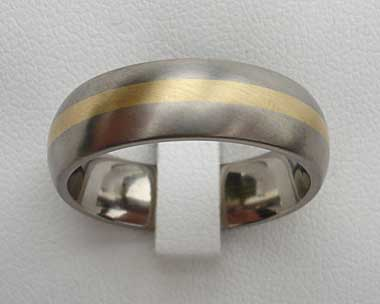 Gold inlay titanium wedding ring