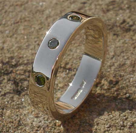 Green Diamond White Gold Wedding Ring ONLINE In The UK