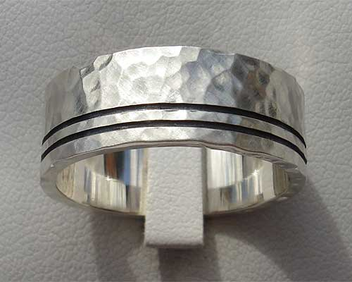 Size S Etched Silver Wedding Ring