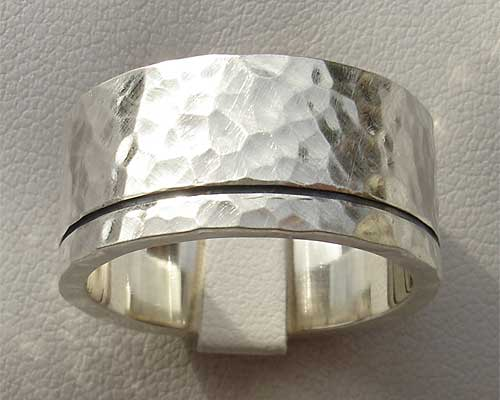 Mens Hammered Silver Black Etched Ring