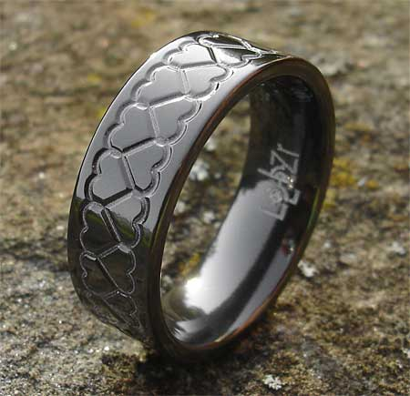 gothic ring with heart pattern