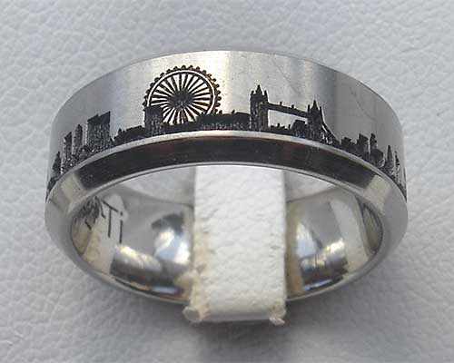 London Skyline Titanium Ring