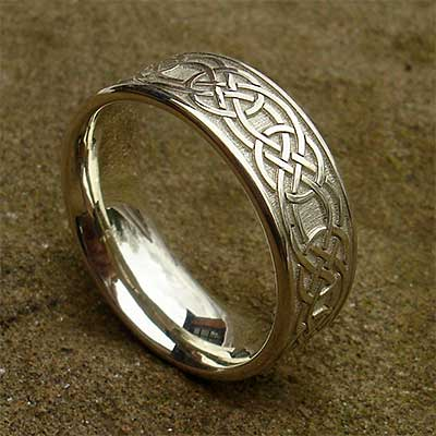Mens Celtic gold wedding ring