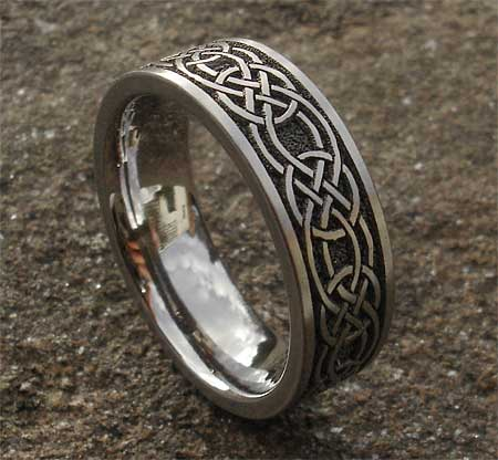 Mens Celtic knot titanium ring