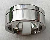 Chunky wedding ring in titanium