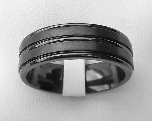 Men's grooved black wedding ring