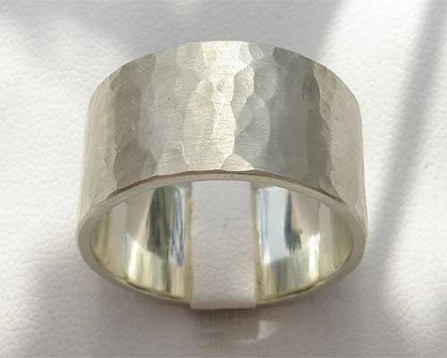 Mens hammered white gold wedding ring