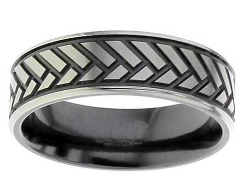 Men's herringbone wedding ring