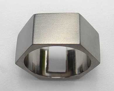 Men's hexagonal ring