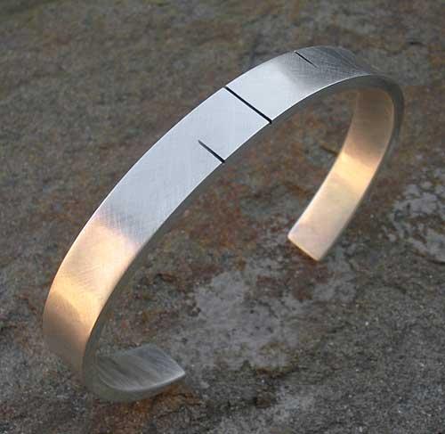 012e4fbf531c8 Men's Black Etched Silver Cuff Bracelet : LOVE2HAVE in the UK!