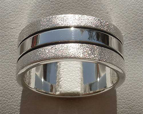 Mens unusual two tone silver ring