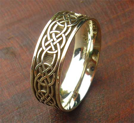 Men39s yellow or white gold celtic ring love2have in the uk for Celtic wedding rings for men