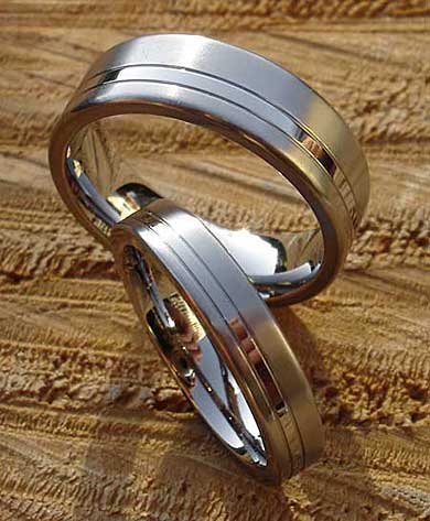 men's and women's titanium wedding rings