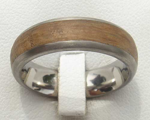 Men's wood inlay titanium ring
