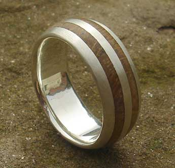 Men's wooden wedding ring