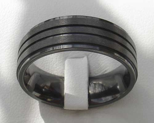 Modern men's wedding ring