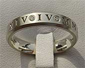 Roman numeral gold diamond wedding ring