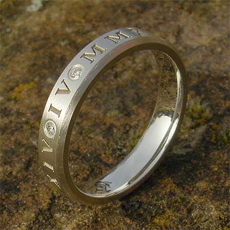 Roman numeral 9ct gold wedding ring