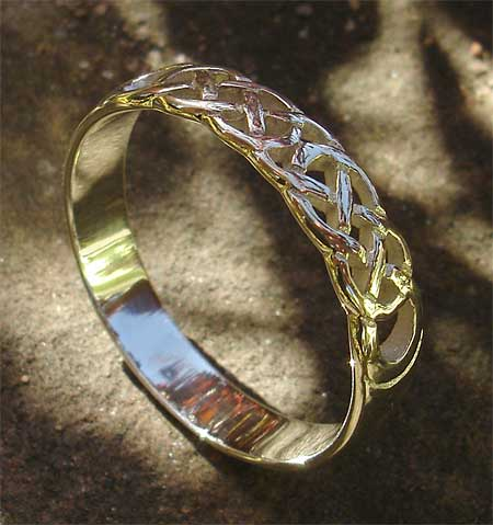 Scottish Celtic Knot Wedding Ring LOVE2HAVE in the UK