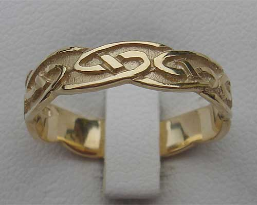 Traditional Scottish Womens Wedding Ring LOVE2HAVE in the UK