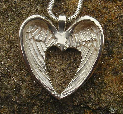 Angel Heart Wings Necklace For Women