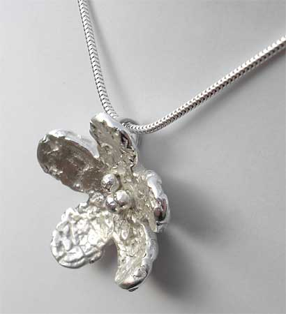 Silver flower designer necklace