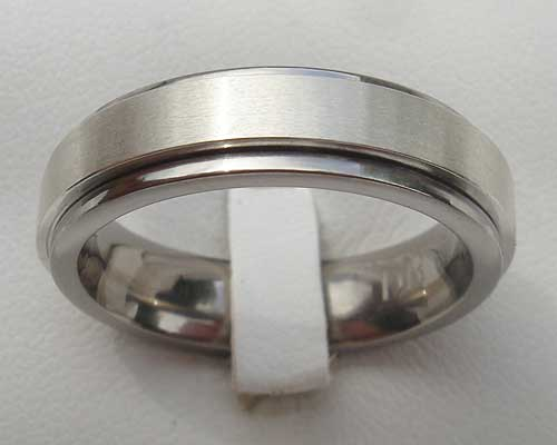 Spinning Titanium Wedding Ring