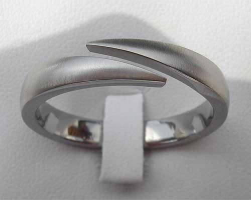 unique titanium wedding ring in the uk