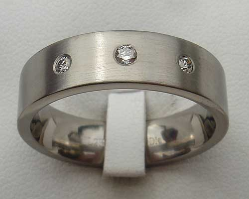 Womens Three White Diamonds Titanium Ring